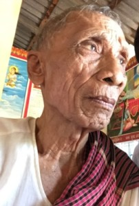 Speaking with VOA Khmer at a temple in his hometown, in Kamrieng district, Battambang province, Ta An, 83, said he is not concerned with proceedings from tribunal court, August 14, 2015. (Photo: Sok Khemara/VOA Khmer)